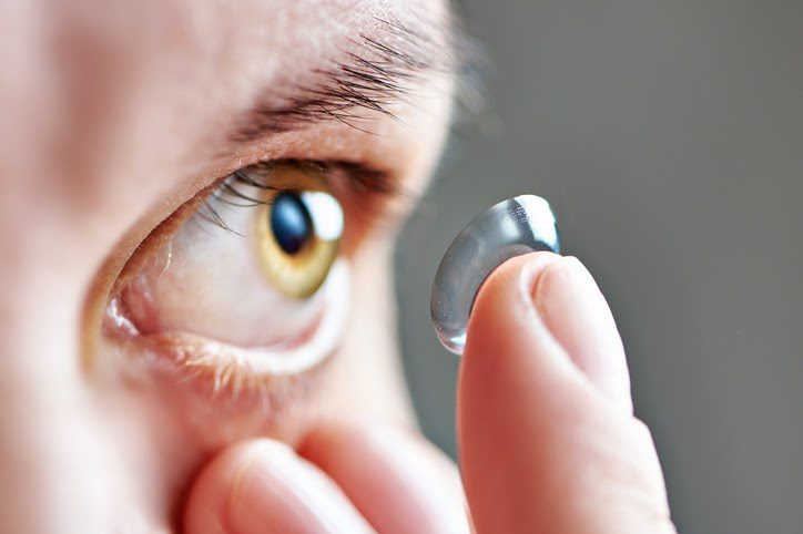 Contact lenses can worsen the symptoms of chemical exposure to the eye.